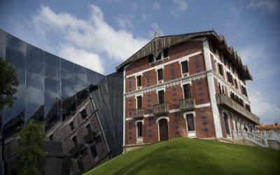 Familientzako  doako  jarduerak  igandean  Cristobal  Balenciaga  Museoan