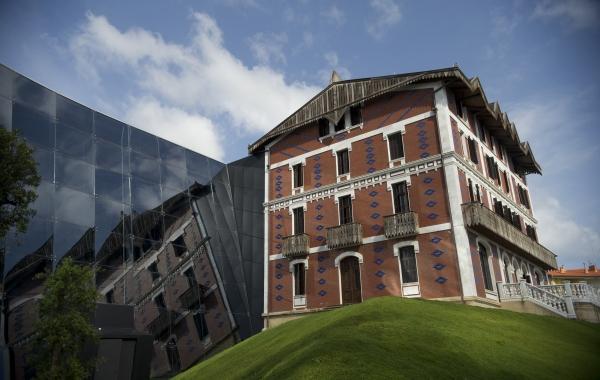 53.000  bisitari  izan  ditu  Cristobal  Balenciaga  Museoak  2018an