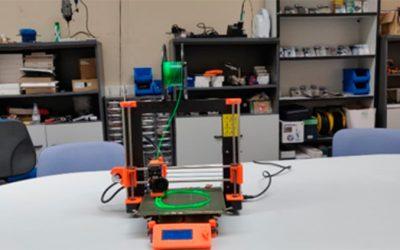 3D inprimagailuekin osasun langileak babesteko ekipamenduak sortzen