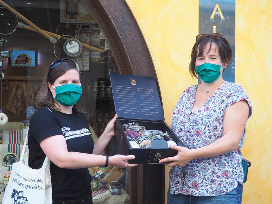 Egunean Behineko laugarren denboraldiko irabazleak jaso du saria
